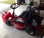 Snapper 28 cut 11hp rear engine riding mower