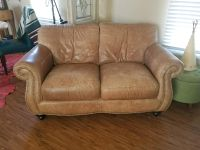 Beautiful and comfy leather couch