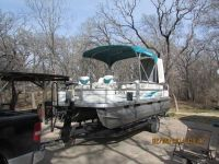 2005 Sun Tracker pontoon boat like new