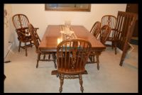 Really nice kitchen table and six chairs