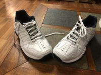 New ladies size 8 Skechers relax fit
