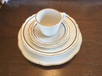 VINTAGE RESTAURANT CHINA SERVICE FOR 10. GOOD CONDITION