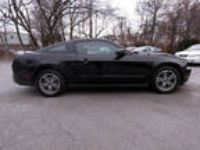 2011 Mustang Ford V6 2dr Fastback Black Coupe RWD V6 3.70L