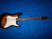 Silvertone Revolver Electric Guitar