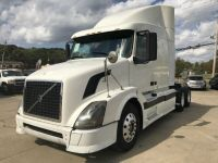 2006 Volvo Other VNL630 10 SPEED MANUAL CLEAN SEMI TRUCK