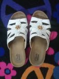 Clark's White Floral Leather Sandals Size 7