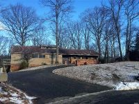 5 Bed 3 Bath Foreclosure Property in Northport, NY 11768 - Fox Hollow Ridings C
