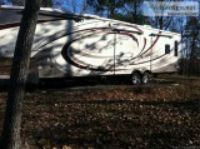 FOR SALE. FIFTH WHEEL TRAVEL TRAILER