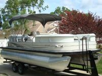 $3,245, 2005 Sun Tracker Regency 25 Pontoon Boa