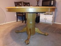 Solid wood round clawfoot pedestal table