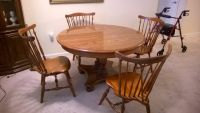 Ethan Allen Round Dining Room Table/chairs