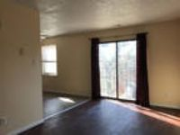 2 BR 1 BA, Washer/dryer hook up in unit.
