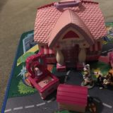 Disney Minnie Mouse House with rug