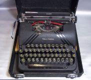 Typewriter Smith Corona Silent -1940 Vintage.