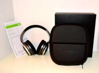 New in box - Noise Cancelling Headphone with Storage Case