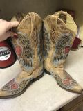 Corral boots size 7