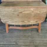 Wood drop leaf table with one leaf