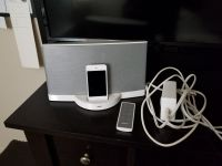Bose sound dock with 4th generation i pod touch call 6308038954