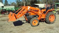 Like new Kubota L2800 4x4 diesel tractor w loader