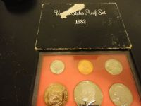 1982 s mint proof set interested text 931 218 8243