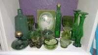 Vintage green collection w various pieces