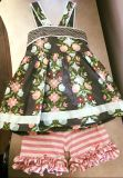 Matilda Jane Saturday Afternoon Pontoon top and matching Shorties Both are size 4