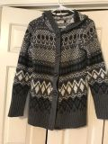 LIKE NEW JON & ANNA NEW YORK BRAND BUTTON FRONT HOODED CARDIGAN. COLOR IS BLACK WHITE AND GRAY. 28 LONG. SIZE SMALL.