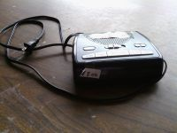 Radio .Am FM Alarm ( RCA) Electric and Battery. 9 volts