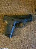 For Sale: Smith and Wesson M&P .40 Compact
