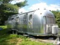 1977 Airstream Land Yacht Travel Trailer in Swansea, MA