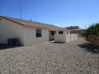 Lake Havasu City - superb Apartment nearby fine dining. Washer/Dryer Hookups!