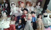 Vintage dolls with eyes that move