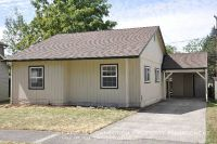 Cute and spacious South Campus 3 bed/2 bath home - available September!