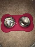 Dog/cat bowl with rubber mat