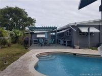Fantastic find in Cutler Bay.