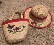 Dress up purse & hat set, great condition