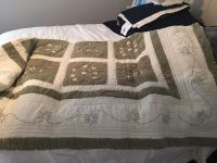 Quilt queen size green and cream color