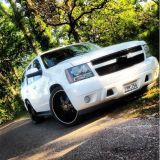 2007 Chevy Tahoe lowered on 24s