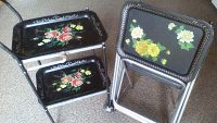 Vintage Mid Century set of 4 TV tray tables w/stand & wheeled serving cart.
