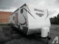 $24,995 Oilfield Blowout!! 2012 Hornet Hideout 38Ft Rear King/ Front Queen