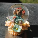 snow globe with glitter