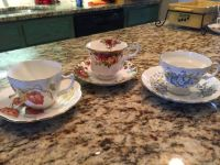 CHRISTAS GIFT! Fine bone China cups w/saucers from England - set of 3