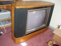 GE 25 Console TV-Nice Wood Swivel Cabinet