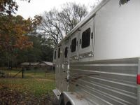 2005 Dream Coach 3 Horse Slant Load Gooseneck Trailer