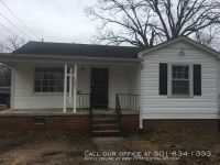 1801 S Pierce St, Little Rock AR 72204 - Nice and affordable 3br 1.5ba just off S University