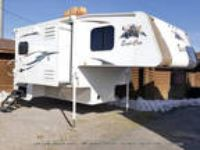 2016 Alpine Coach EAGLE CAP 1200 12ft