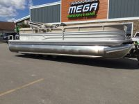 2017 Sun Tracker Party Barge 24 XP3 Pontoons Boats Gaylord, MI