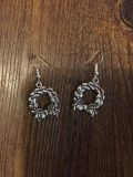 New, never worn earrings. Perfect for Xmas!