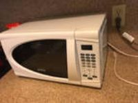 Sunbeam Digital Microwave Oven ~ White Compact Countertop