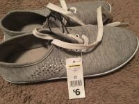 NWT Women's Sneakers [7]